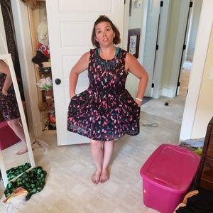 Stylish Patterned Midi Dress with Pockets! XL
